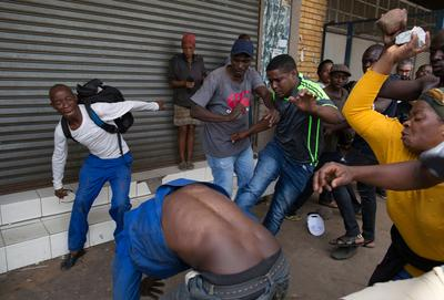 South African mobs attack immigrants