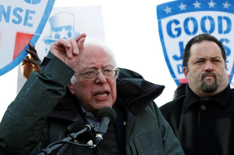 Senator Bernie Sanders (I-VT) speaks at a federal contract workers rally to celebrate Andrew Puzder's decision to withdraw from consideration to be secretary of labor, on Capitol Hill in Washington, U.S., February 16, 2017. REUTERS/Yuri Gripas