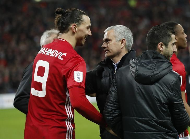 Britain Soccer Football - Southampton v Manchester United - EFL Cup Final - Wembley Stadium - 26/2/17 Manchester United's Zlatan Ibrahimovic celebrates at the end of the match with Jose Mourinho Action Images via Reuters / Carl Recine Livepic