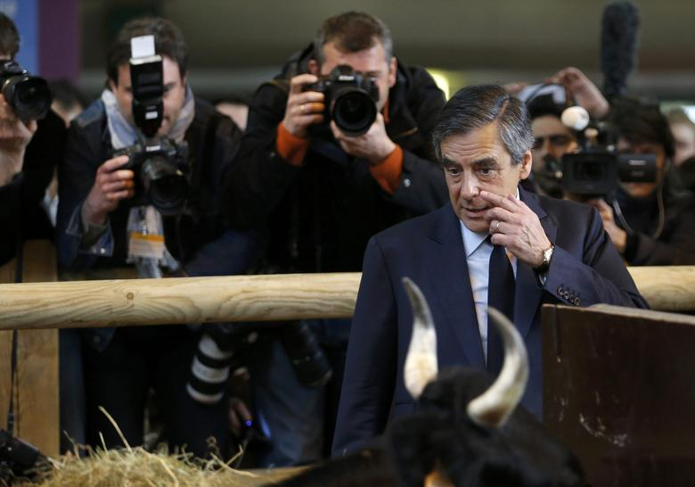 Francois Fillon, former French prime minister, member of the Republicans political party and 2017 presidential election candidate of the French centre-right, visits the International Agricultural Show in Paris, France, March 1, 2017. REUTERS/Regis Duvignau