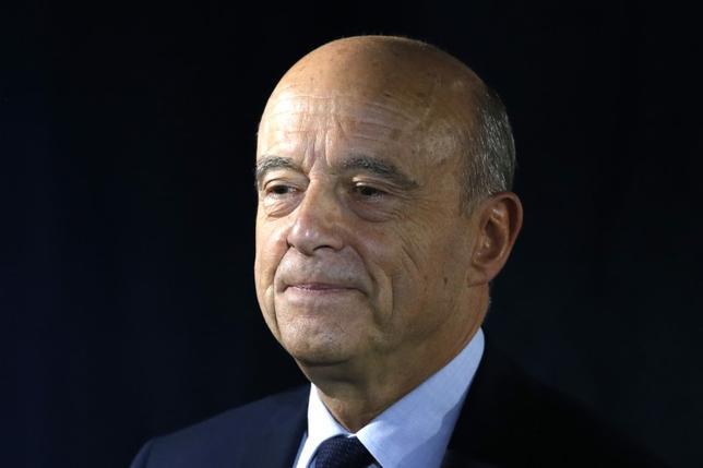 3月6日、フランスのジュペ元首相(共和党)は、大統領選には出馬しないとした上で、フィヨン共和党候補を厳しく批判した。2016年パリで撮影(2017年 ロイター/Charles Platiau)