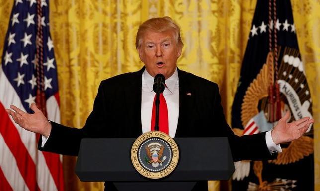 3月9日、中国商標局は、トランプ米大統領の名前を冠した商標38件を新たに仮承認した。写真はワシントンのホワイトハウスで2月撮影(2017年 ロイター/Kevin Lamarque)