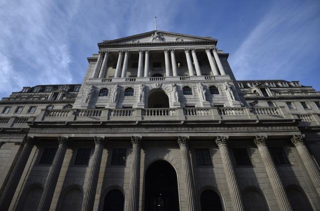 3月14日、イングランド銀行(英中央銀行、写真)はホッグ副総裁(銀行・市場担当)が辞任したと発表した。2月撮影(2017年 ロイター/Hannah McKay)