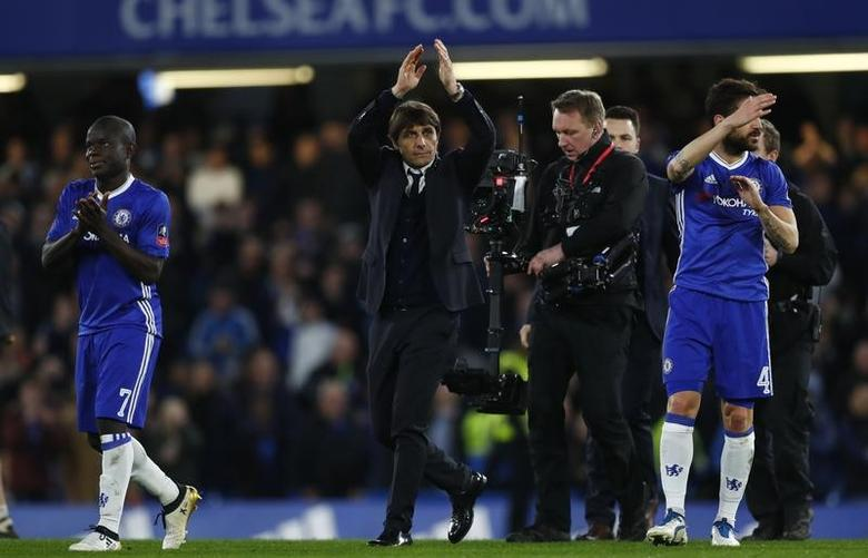 Britain Football Soccer - Chelsea v Manchester United - FA Cup Quarter Final - Stamford Bridge - 13/3/17 Chelsea manager Antonio Conte applauds their fans after the match Reuters / Eddie Keogh Livepic