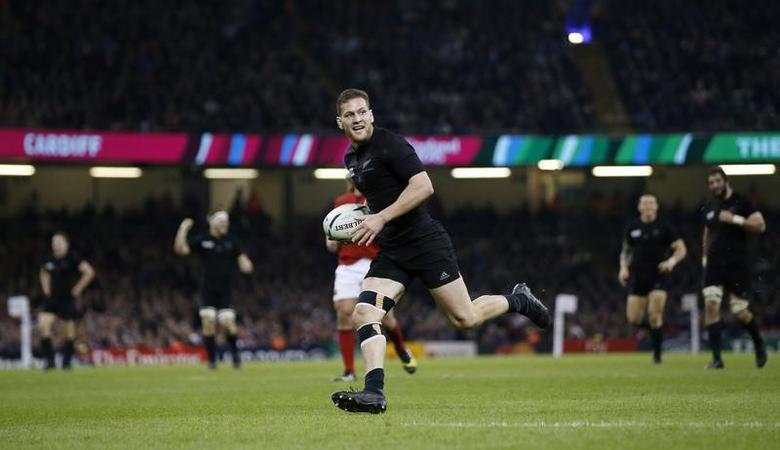 Rugby Union - New Zealand v France - IRB Rugby World Cup 2015 Quarter Final - Millennium Stadium, Cardiff, Wales - 17/10/15New Zealand's Tawera Kerr-Barlow scores a tryAction Images via Reuters / Andrew BoyersLivepic