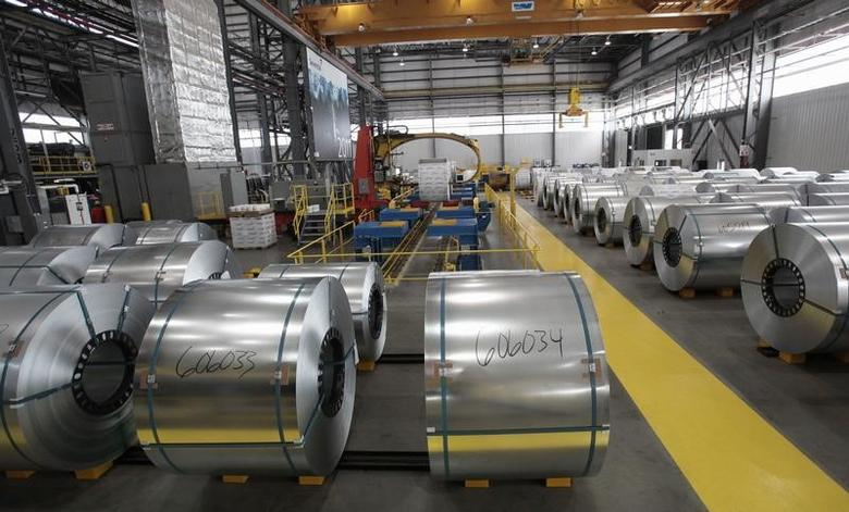 图为2012年6月资料图片,显示美国密歇根州的一家钢铁厂。REUTERS/Rebecca Cook