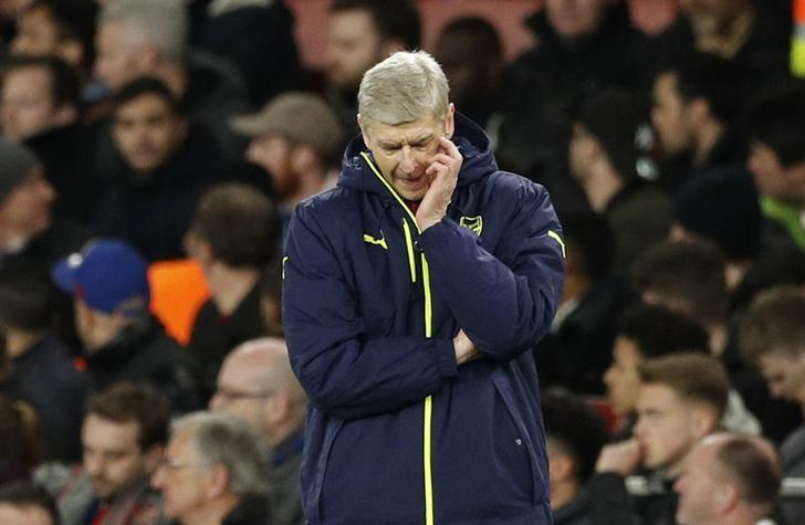 Britain Football Soccer - Arsenal v Bayern Munich - UEFA Champions League Round of 16 Second Leg - Emirates Stadium, London, England - 7/3/17 Arsenal manager Arsene Wenger looks dejected  Action Images via Reuters / John Sibley Livepic/Files