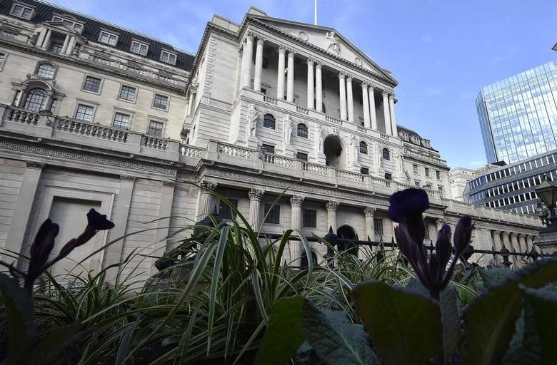 The Bank of England is seen in the City of London, Britain, February 14, 2017. REUTERS/Hannah McKay - RTSYMVF