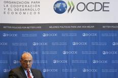 El secretartio general de la OCDE, Ángel Gurría, asiste a una conferencia en Ciudad de México. 8 de enero de 2015. Las reformas para impulsar la productividad se están desacelerando en muchos países, como en México, lo que aumenta el riesgo de que algunas economías industrializadas crezcan más lentamente, dijo el viernes la Organización para la Cooperación y el Desarrollo Económicos (OCDE). REUTERS/Edgard Garrido