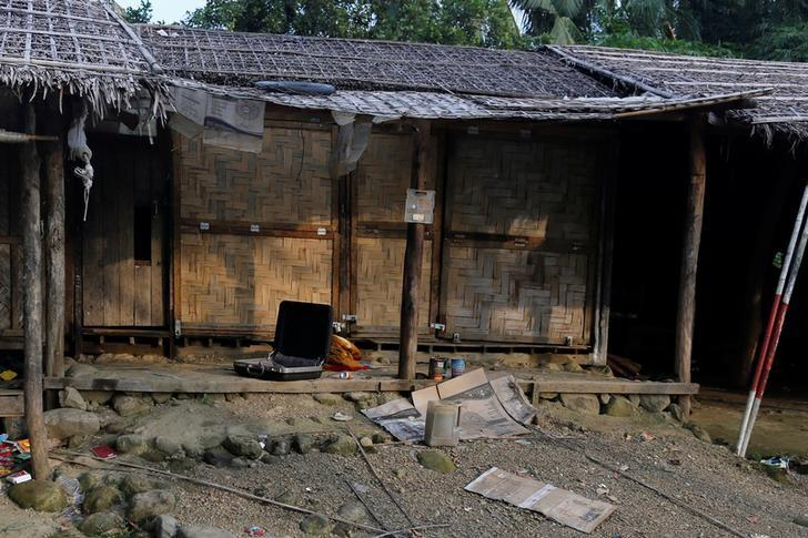 A Rohingya abandoned house  is seen at U Shey Kya village outside Maungdaw, in Rakhine state, Myanmar October 26, 2016. REUTERS/Soe Zeya Tun