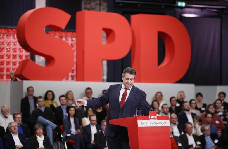Outgoing Social Democratic Party (SPD) leader Sigmar Gabriel addresses an SPD party convention in Berlin, Germany, March 19, 2017.     REUTERS/Axel Schmidt - RTX31P9M