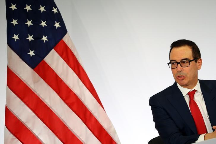 2017年3月18日,德国巴登-巴登,美国财长努钦出席记者会。REUTERS/Kai Pfaffenbach