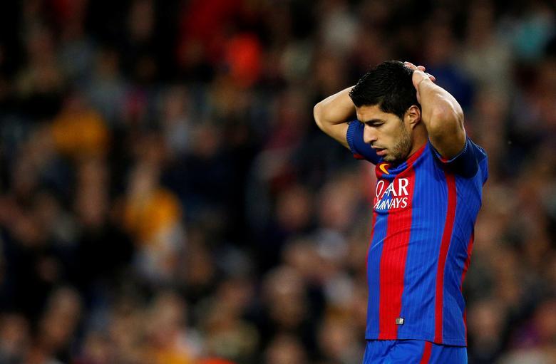 Barcelona v Valencia - Spanish La Liga Santander - Camp Nou stadium, Barcelona, Spain - 19/3/17 - Barcelona's Luis Suarez in action. REUTERS/Juan Medina