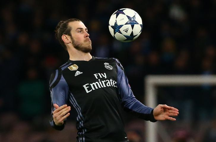 Football Soccer - Napoli v Real Madrid - UEFA Champions League Round of 16 Second Leg - Stadio San Paolo, Naples, Italy - 7/3/17 Real Madrid's Gareth Bale  Reuters / Alessandro Bianchi Livepic