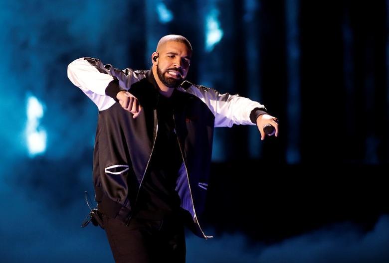 Drake performs in Las Vegas.    REUTERS/Steve Marcus