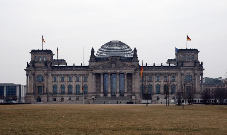 A general view shows the Reichstag building, the seat of the German lower house of parliament Bundestag, before the German presidential election in Berlin, February 12, 2017.    REUTERS/Fabrizio Bensch