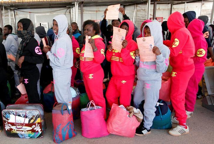 Illegal African migrants arrive at Mitiga International Airport before their voluntary return to their countries, east of Tripoli, Libya, March 23, 2017. REUTERS/Ismail Zitouny/File Photo