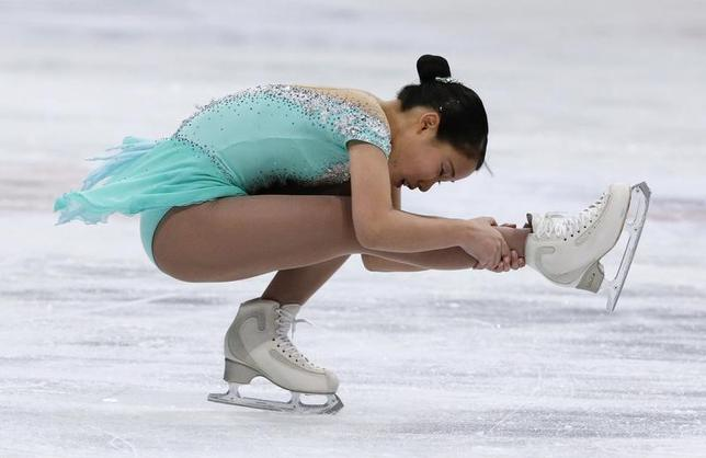 3月31日、フィギュアスケートの世界選手権、女子ではSP15位と出遅れた三原舞依がフリーで4位となり、合計197.88点の5位に食い込んだ(2017年 ロイター/Grigory Dukor)