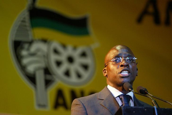 Malusi Gigaba speaks near Johannesburg's Soweto township, South Africa, August 19, 2004. REUTERS/Juda Ngwenya/Files