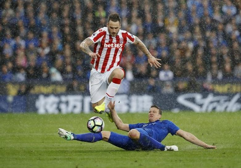 Britain Soccer Football - Leicester City v Stoke City - Premier League - King Power Stadium - 1/4/17 Stoke City's Marko Arnautovic in action with Leicester City's Robert Huth  Reuters / Darren Staples Livepic