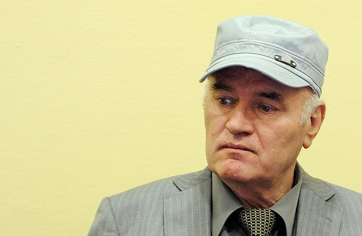 Former Bosnian Serb commander Ratko Mladic appears in court at the International Criminal Tribunal for the former Yugoslavia (ICTY) in the Hague, Netherlands, June 3, 2011.     REUTERS/Martin Meissner/Pool/File Photo