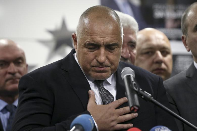 Former Bulgarian prime minister and leader of centre-right GERB party Boiko Borisov gestures during a news conference at the party's headquarters in Sofia, Bulgaria March 26, 2017.  REUTERS/Stoyan Nenov