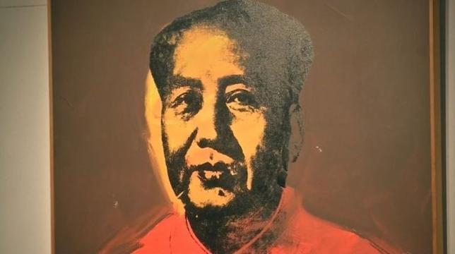 4月3日、香港で2日夜行われた美術品オークションで、ポップアートの巨匠アンディ・ウォーホルが描いた毛沢東の肖像画が、1260万ドル(約14億円)で落札された。予想された1500万ドルには届かなかった。写真はロイタービデオの映像から(2017年 ロイター)