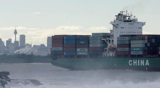 4月4日、豪連邦統計局が発表した2月の貿易収支は35億7000万豪ドル(27億2000万米ドル)の黒字で、1月から黒字幅が倍以上に拡大、市場予想の18億豪ドルも大幅に上回った。写真はシドニーの港湾で昨年6月撮影(2017年 ロイター/Jason Reed)