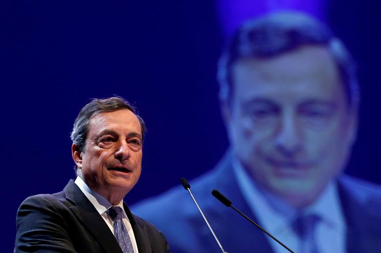 FILE PHOTO:  European Central Bank (ECB) President Mario Draghi delivers a speech at the Economic Forum in Brussels, Belgium, June 9, 2016.    REUTERS/Francois Lenoir/File Photo