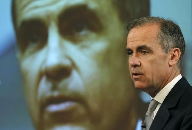 4月7日、イングランド銀行(英中央銀行、BOE)のカーニー総裁は、インフレ加速に伴い英消費者の需要が減退するか、注視する姿勢を示した。ロンドンで撮影(2017年 ロイター/Peter Nicholls)