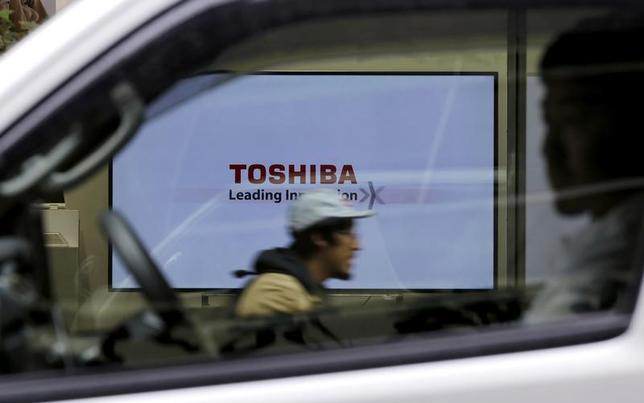 4月10日、トルコの家電大手ベステルの幹部は、東芝とテレビ事業の買収に関して交渉を行っていることを確認した。写真は都内で2015年11月撮影(2017年 ロイター/Toru Hanai)