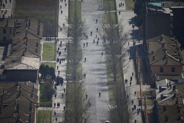 People walk in Pyongyang, North Korea April 12, 2017. REUTERS/Damir Sagolj