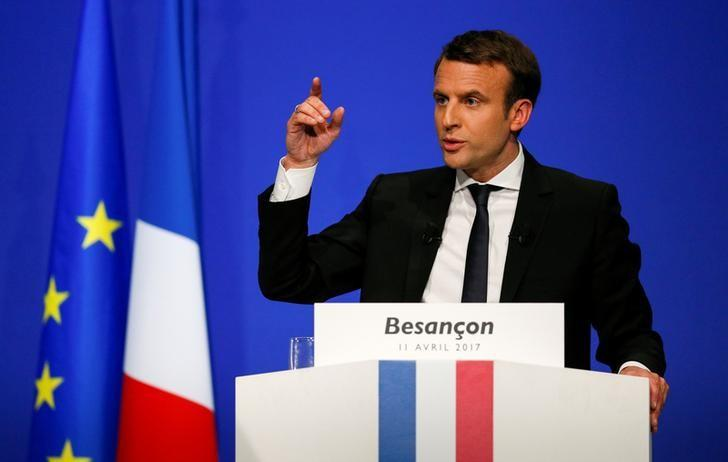 Emmanuel Macron, head of the political movement En Marche ! ( Onwards !) and candidate for the 2017 presidential election, delivers a speech during a campaign rally in Besancon, France, April 11, 2017. REUTERS/Robert Pratta