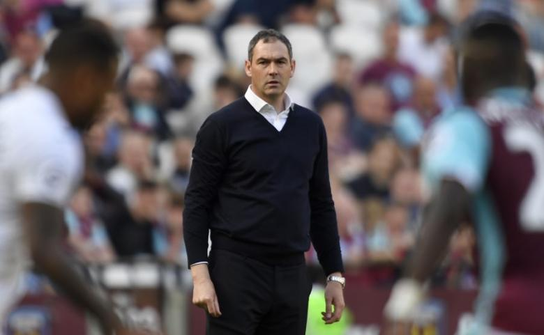 Britain Football Soccer - West Ham United v Swansea City - Premier League - London Stadium - 8/4/17 Swansea City manager Paul Clement looks on during the game Action Images via Reuters / Tony O'Brien Livepic