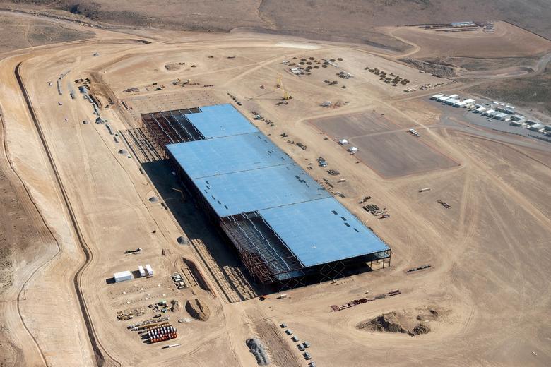 FILE PHOTO --  The Tesla Gigafactory is shown under construction outside Reno, Nevada May 9, 2015.  Picture taken May 9, 2015.   REUTERS/James Glover II/File Photo