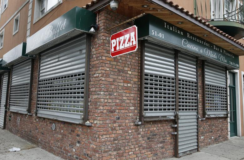 FILE PHOTO: The Cucino a Modo Mio pizzeria and restaurant is seen in the Queens borough of New York, U.S. on May 11, 2015.  REUTERS/Shannon Stapleton/File Photo