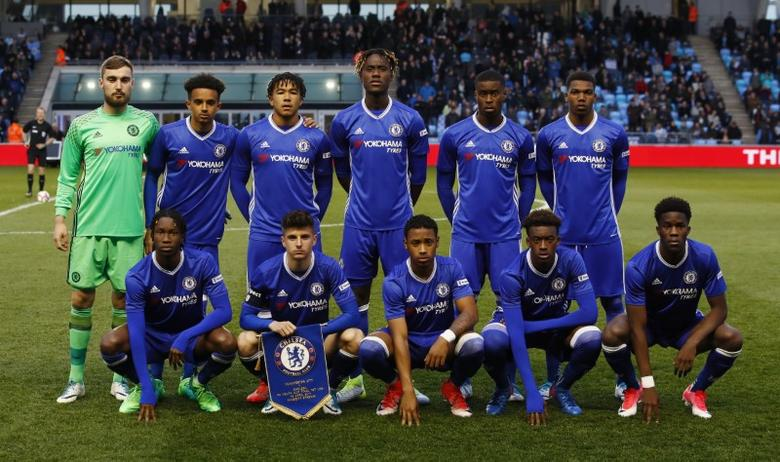 Britain Football Soccer - Manchester City v Chelsea - FA Youth Cup Final First Leg - Academy Stadium - 18/4/17 Chelsea team group Mandatory Credit: Action Images / Jason Cairnduff Livepic