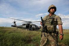 جندي تركي في جنوب شرق البلاد - صورة من أرشيف رويترز.