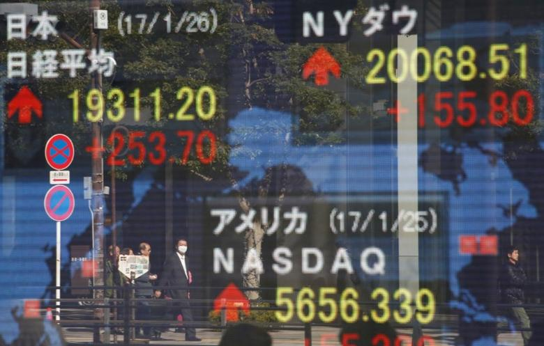 Asia stocks, euro steady as markets pause for breath after French election