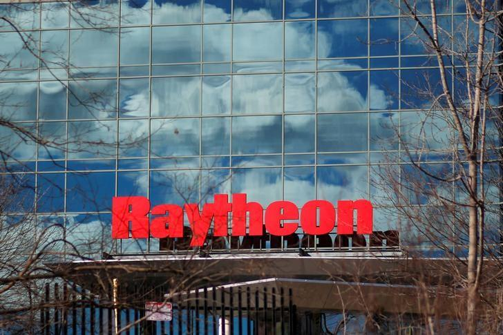 A sign marks the Raytheon offices in Woburn, Massachusetts.   REUTERS/Brian Snyder