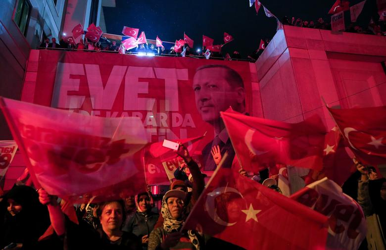 Supporters of Turkish President Tayyip Erdogan celebrate in Istanbul. REUTERS/Huseyin Aldemir
