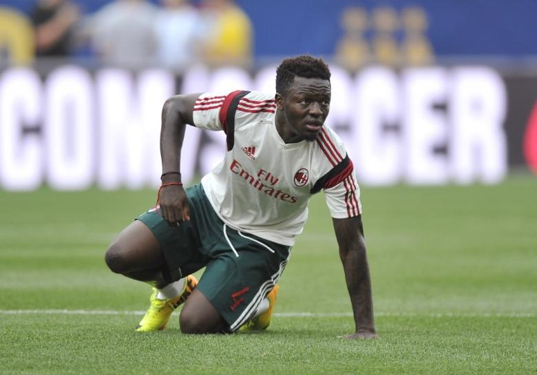 Football - AC Milan v Manchester City - Guinness International Champions Cup - Pre Season Friendly Tournament - Heinz Field, Pittsburgh, United States of America - 14/15 - 27/7/14 Sulley Muntari of AC Milan warms up Mandatory Credit: Action Images / Adam Holt