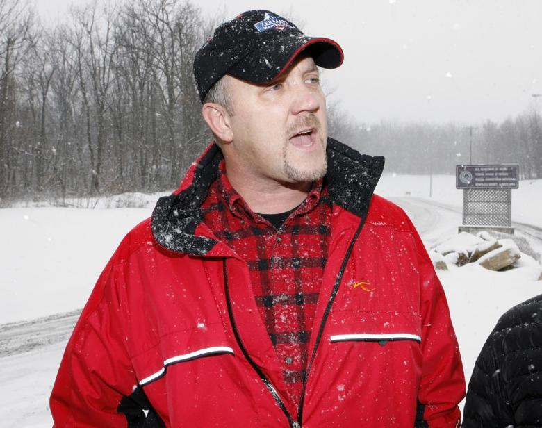 FILE PHOTO: Bradley Birkenfeld makes remarks before surrendering to authorities at the Schuylkill County Federal Correctional Institution in Minersville, Pennsylvania, January 8, 2010. REUTERS/Tim Shaffer
