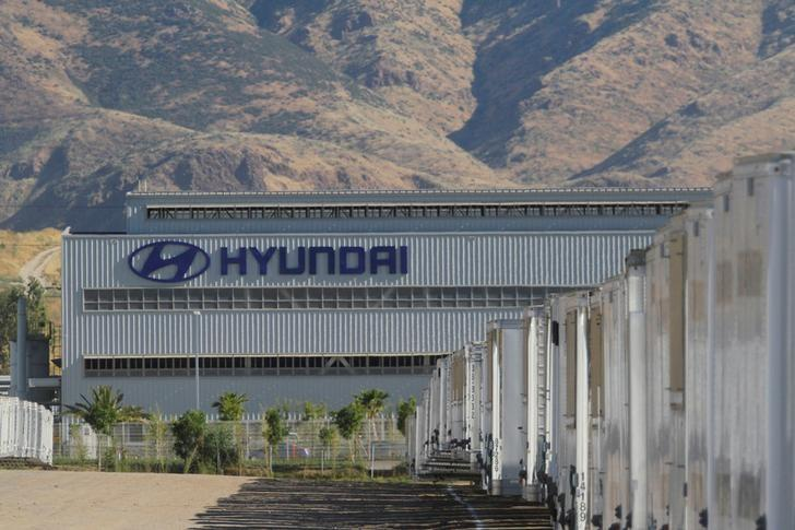 Automobile plant Hyundai is pictured in Tijuana, Mexico, April 30, 2017. REUTERS/Jorge Duenes/Files
