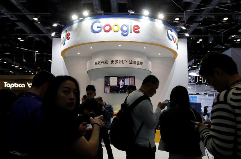 People visit Google's booth at the Global Mobile Internet Conference (GMIC) 2017 in Beijing, China April 28, 2017. REUTERS/Jason Lee