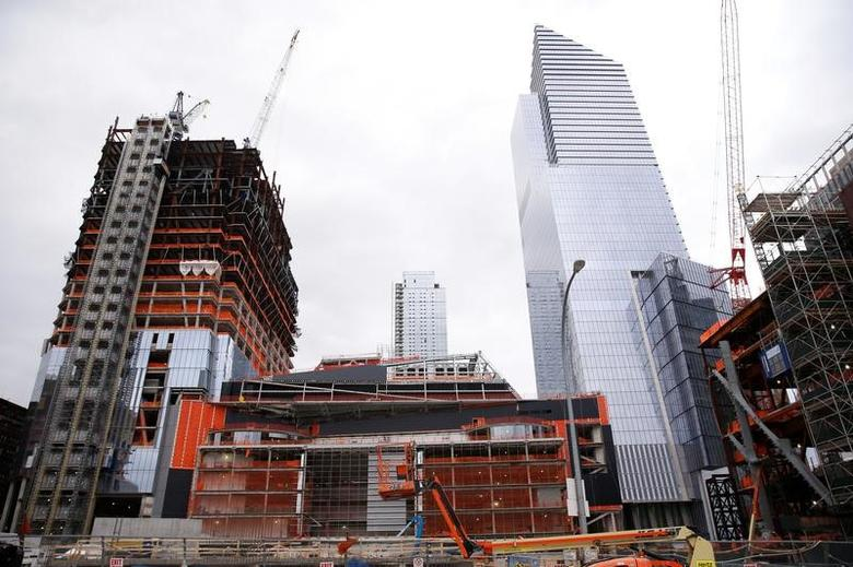Construction is seen in the Hudson Yards area of the West Side of Manhattan in New York U.S., November 21, 2016. Picture taken November 21, 2016.   REUTERS/Shannon Stapleton