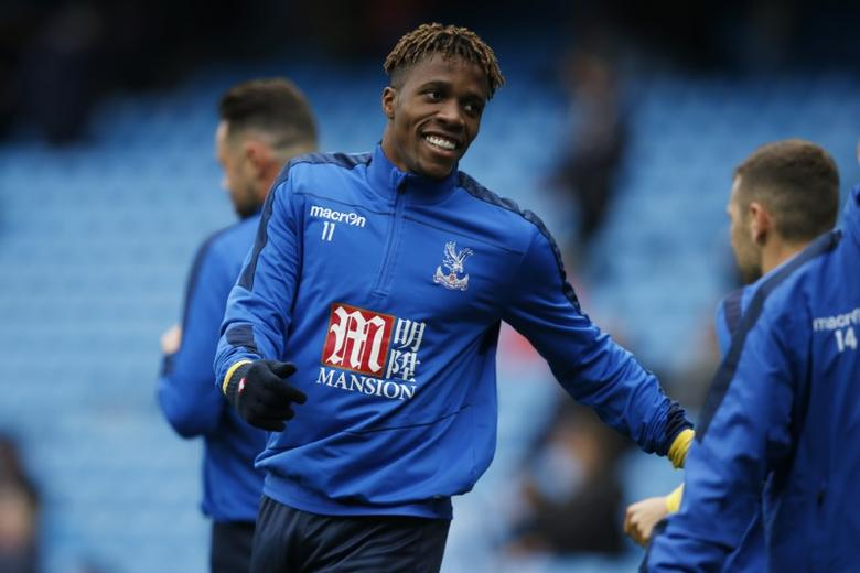 Britain Soccer Football - Manchester City v Crystal Palace - Premier League - Etihad Stadium - 6/5/17 Crystal Palace's Wilfried Zaha warms up before the match  Reuters / Andrew Yates Livepic