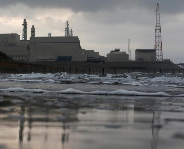 5月11日、東京電力ホールディングス と原子力損害賠償・廃炉等支援機構は、新しい再建計画の申請内容を公表した。写真は柏崎刈羽原発所。2012年11月撮影(2017年 ロイター/Kim Kyung-Hoon)