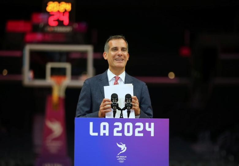 Los Angeles Mayor Eric Garcetti speaks  during a news conference following three days of meetings and tours with the International Olympic Committee (IOC) Evaluation Commission as part of LA 2024's bid for the Summer 2024 Olympic Games in Los Angeles, California, U.S.,  May 12, 2017.   REUTERS/Mike Blake