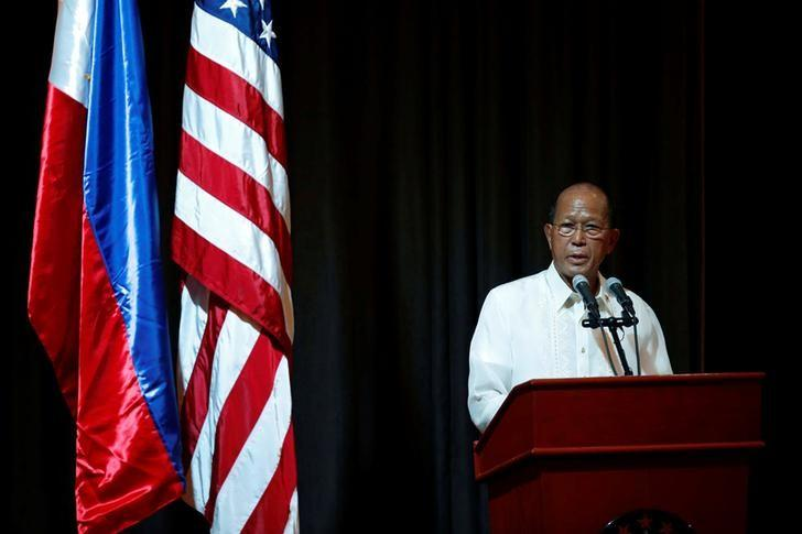 Philippine Defence Secretary Delfin Lorenzana speaks during the opening ceremony of Philippines and U.S. military  joint exercises called Balikatan (Shoulder to Shoulder), focusing on humanitarian and disaster response at Camp Aguinaldo in Quezon city, Metro Manila, Philippines May 8, 2017.  REUTERS/Erik De Castro